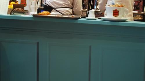 decorazione della caffetteria, progetto: Architetto Tonino Cardarelliflower designer: Rita Tuaproduzione: Promo & Graphic Sanremo